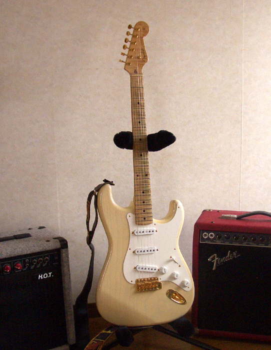 Blonde Strat ~SOLD!~ by Cato in Cato's unbelievably great gear collection