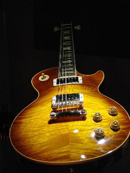 My #1 a 1996 Gibson Les Paul Classic AAAA Top Honeyburst by Diamondjimi in Gits!